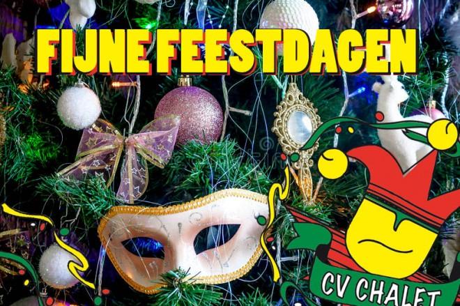 decoratie-op-een-kerstboom-de-vorm-van-carnaval-masker-48603018